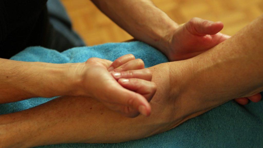 Ergotherapie-Zürich-Behandlung-Unterarm